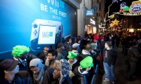 Nintendo fans brave the winter weather and queue outside HMV Oxford Street in central London for the launch of Wii U, the latest home console from Nintendo. PRESS ASSOCIATION Photo. Picture date: Thursday November 29, 2012. Photo credit should read: David Parry/PA