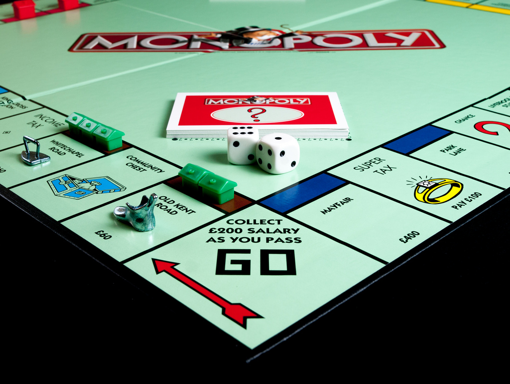 Monopoly Switch game
